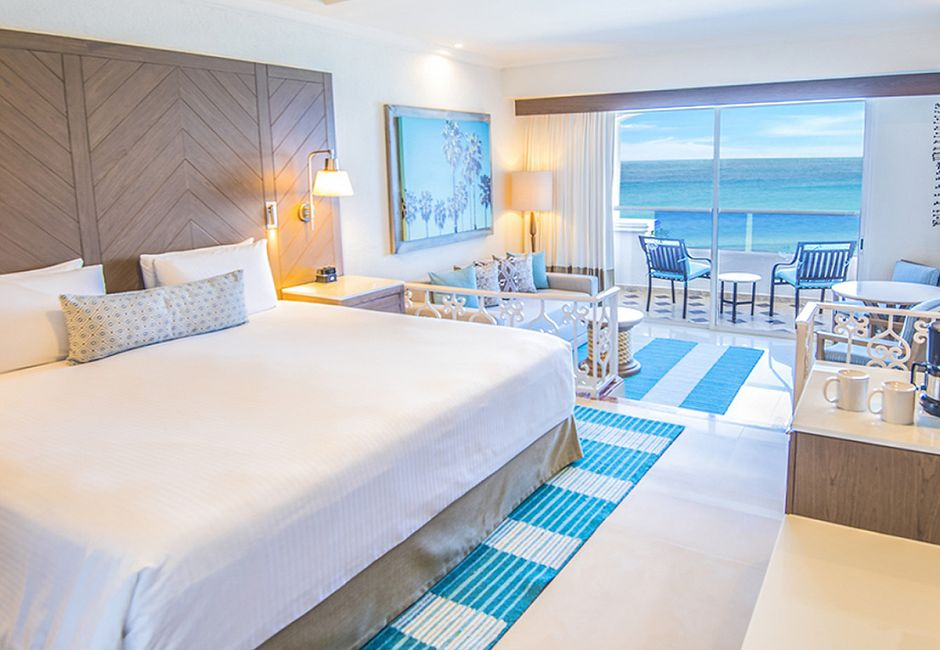 Gran Junior Beachfront Walk-Out Suite Upgrade